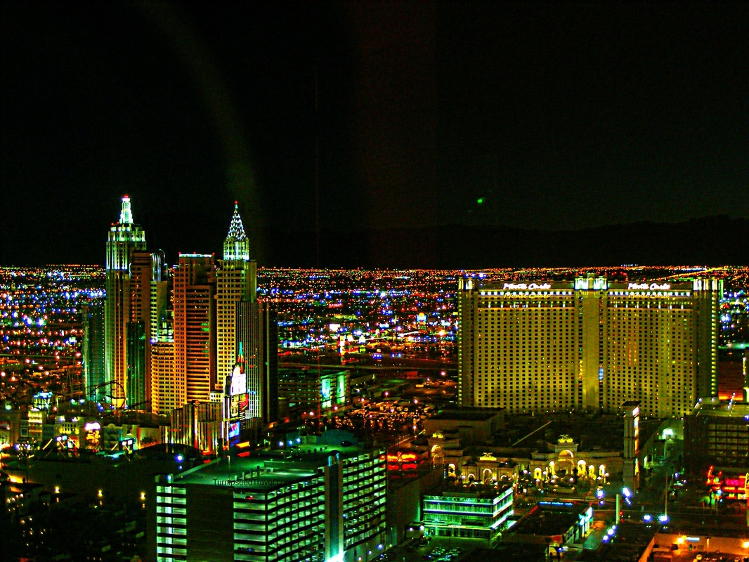 Las Vegas skyline at night TurnipseedTravel.com