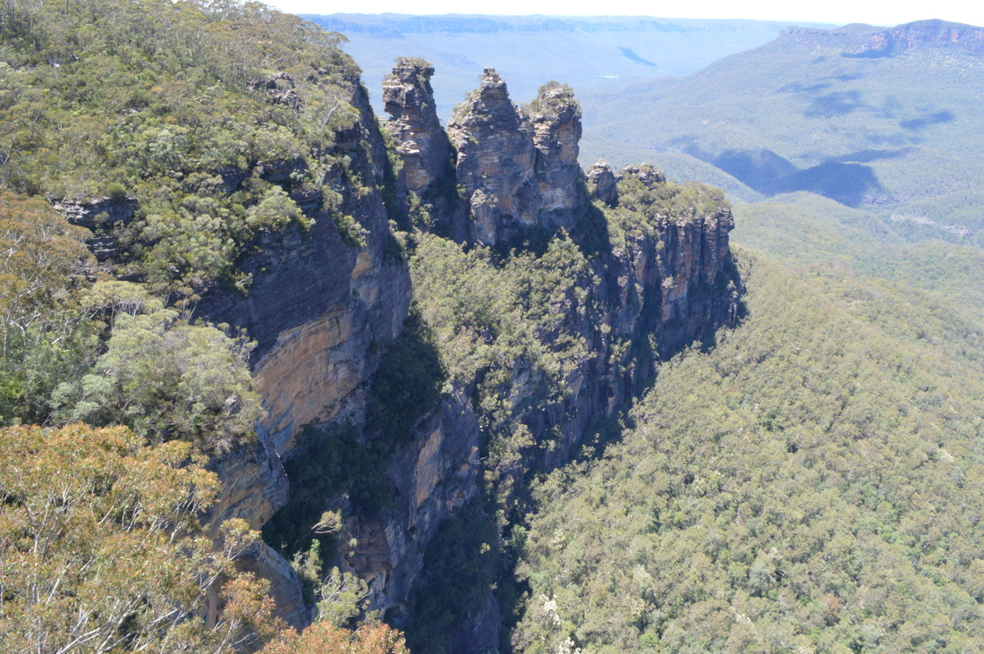 Three Sisters Blue Mountains Sydney Australia TurnipseedTravel.com