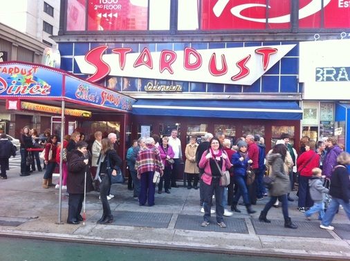 Ellen's Stardust Diner New York City Broadway TurnipseedTravel.com