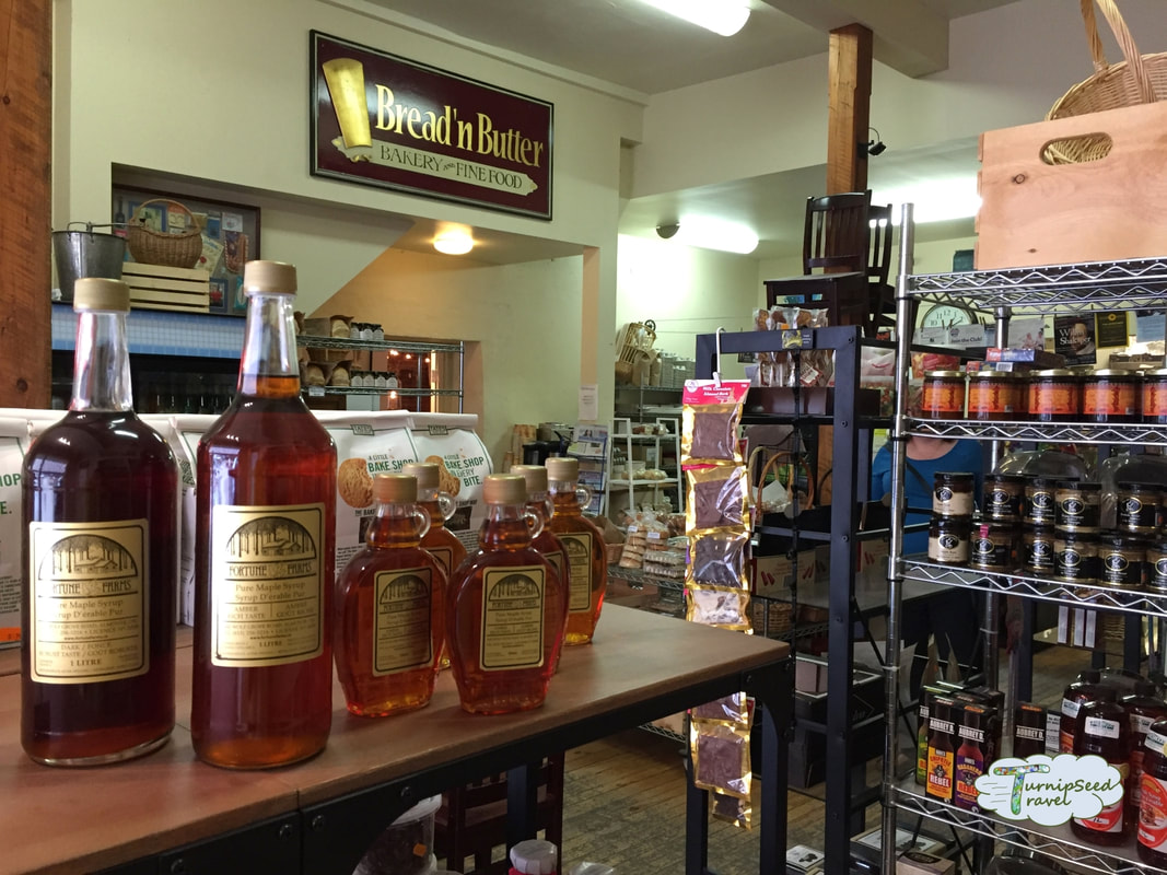 Baker Bob's dry goods on shelves Picture
