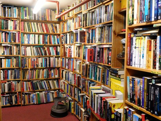 Crammed bookshelves in Skoob Books Picture